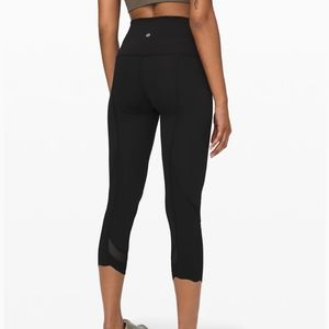Lululemon Wunder Under Crop II Roll Down Scallop
